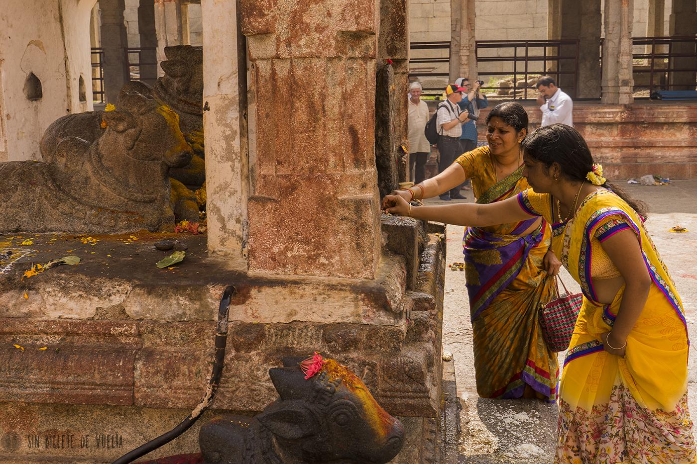 #Día 19 - Ofrendas en el templo de Vijayanagara