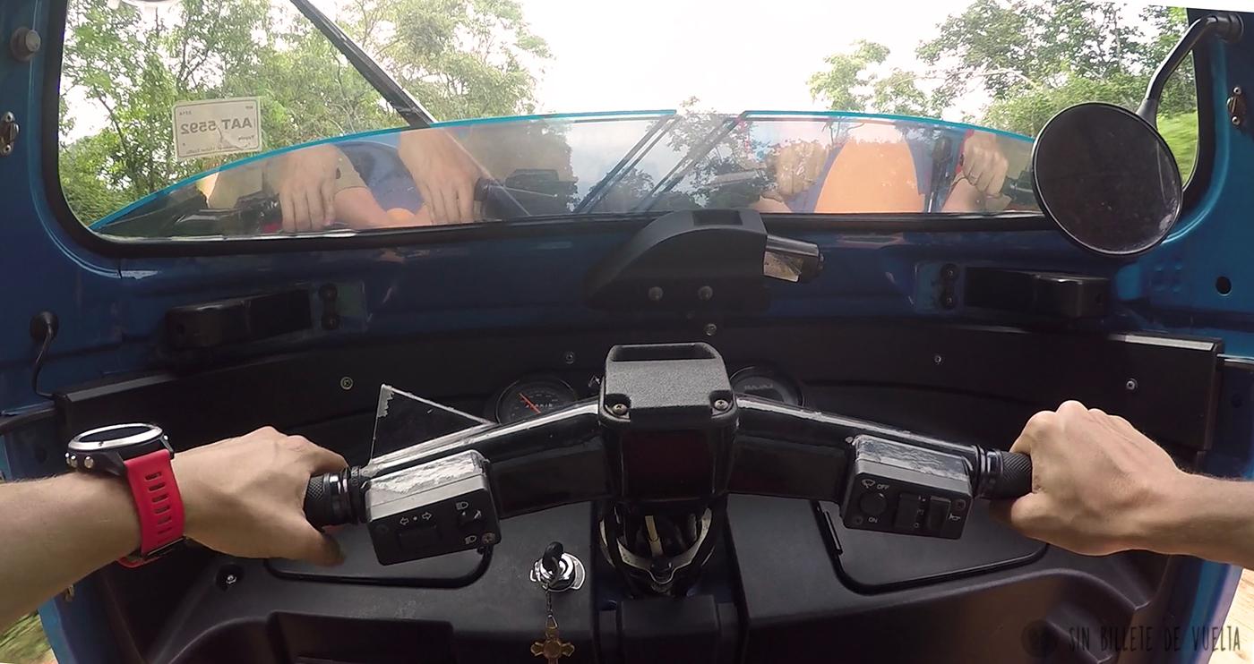 interior tuktuk